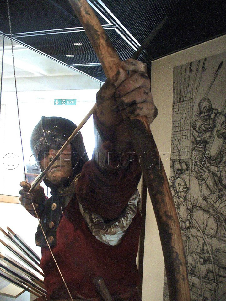 THE ROYAL ARMOURIES MUSEUM / LEEDS UK