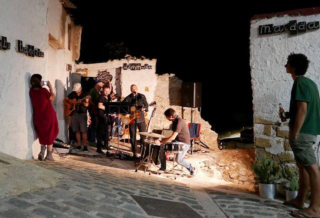 concerto del cantautore Salvo Ruolo presso il #MeTe Museo della Memoria e del Territorio di Siculiana.