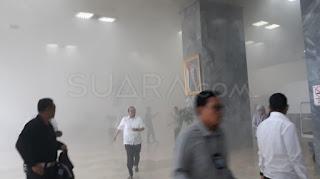 Waduh! Gedung DPR RI Kebakaran, Warganet Ini Justru mau Sumbang Bensin