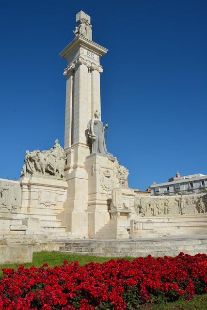 Plaza Espagna Monument Cortes