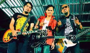 Lirik Lagu Tresna Memaksa (Luh Sari) Lolot & Band