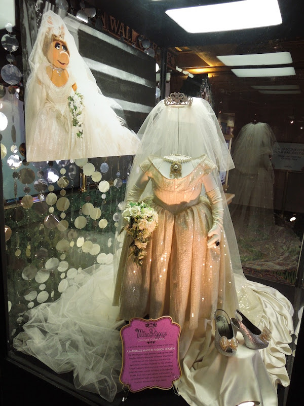 Miss Piggy Vivienne Westwood wedding dress Muppets Most Wanted