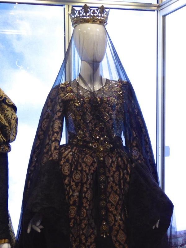 Assassins Creed Queen Isabella movie costume