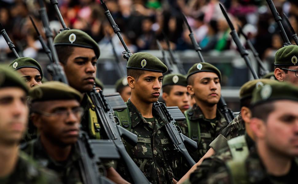 Reforma da Previdência dos militares: Texto destoa e é brando, diz especialista