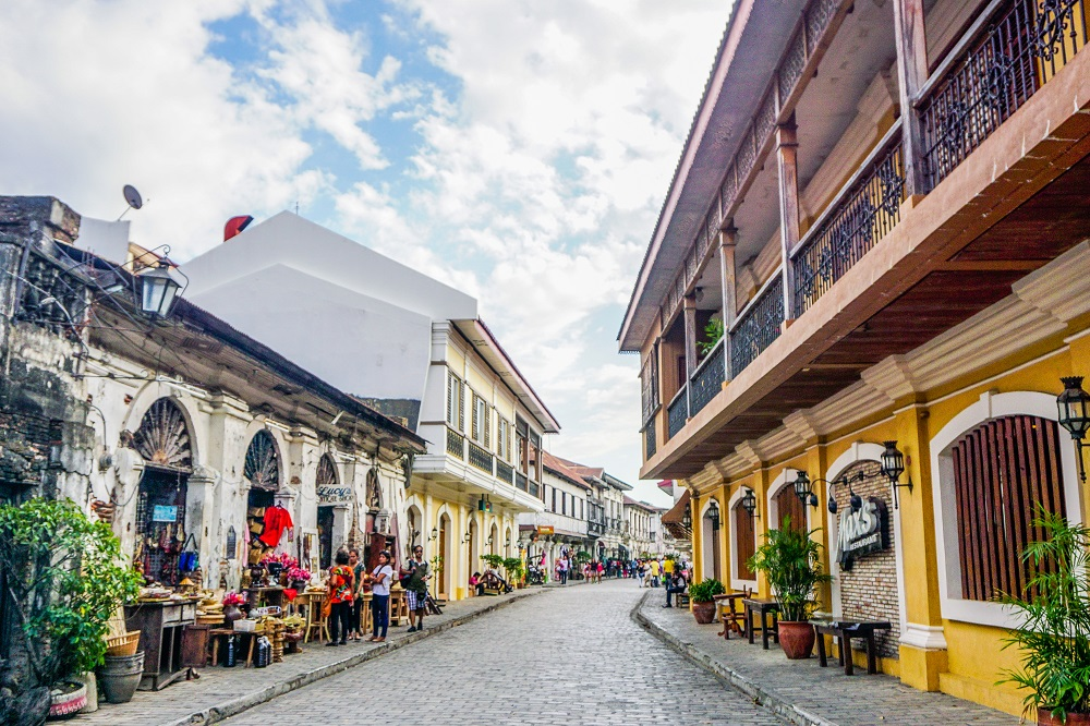 #thedailyposhtravels, Calle Crisologo, Ilocos Sur, Its More Fun in the Philippines, Philippines, Plaza Burgos, Spanish era, Tourism, Travel, travel guide, UNESCO, Vigan,