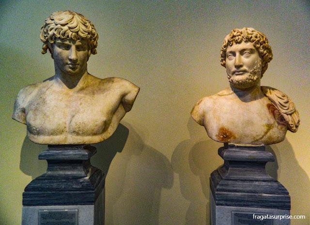Peças da Antiguidade Clássica na Coleção de Esculturas do Museu Nacional de Arqueologia de Atenas, Grécia