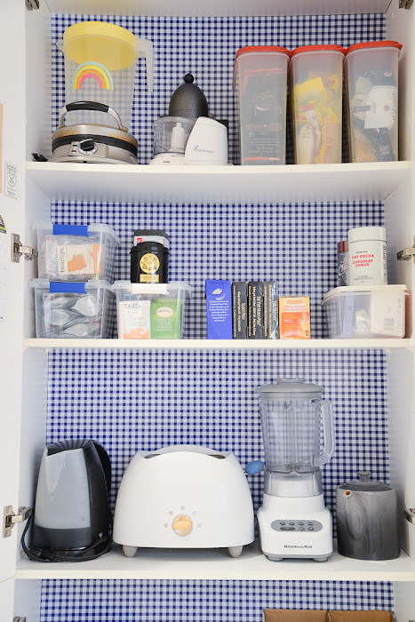 kitchen cabinet makeover, shelf liner adhesive, cheap kitchen cabinet makeover, diy kitchen cabinet refresh