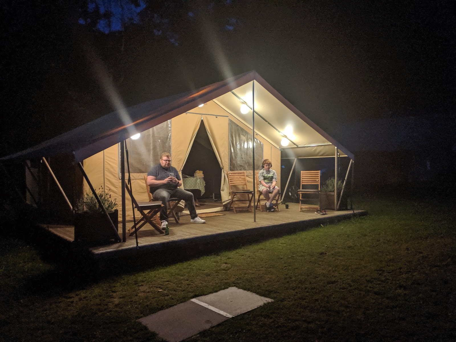 Ready Camp Horsley Review : Glamping near LEGOLAND and Chessington World of Adventures - tents at night