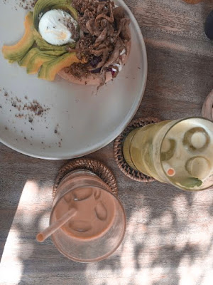 Best restaurants in Seminyak: Avocado cafe, Canggu