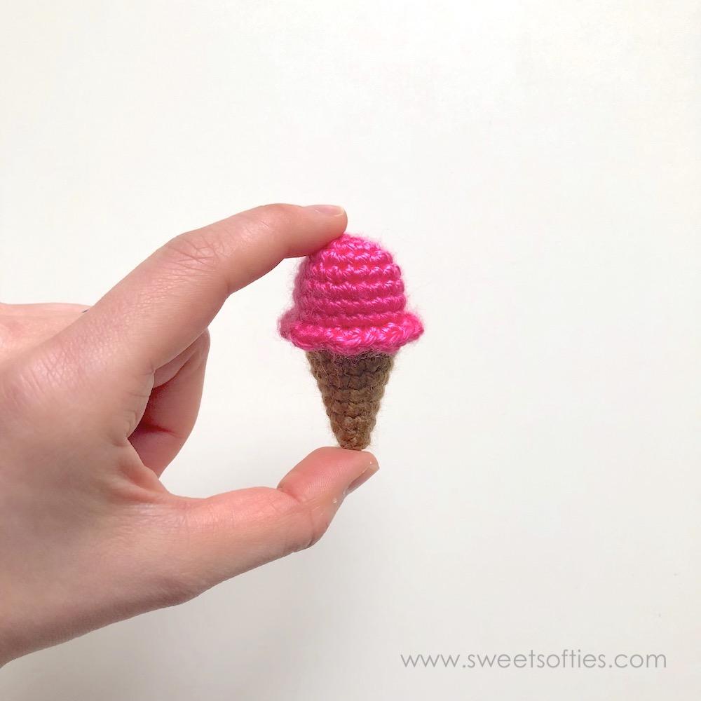 Miniature doll. Micro amigurumi doll Hakuna Matata. Tiny | Etsy | 1000x1000