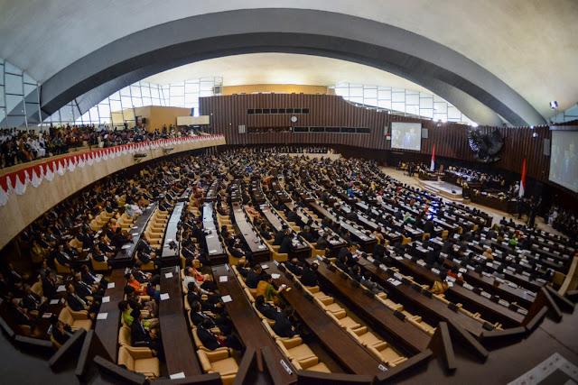 4 Nama Yang Berpeluang Gantikan Setnov Sebagai Ketua DPR