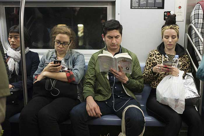 The New York Public Library is offering free e-books for commuters