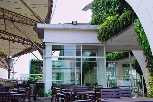 Summarecon Bekasi Green Wall