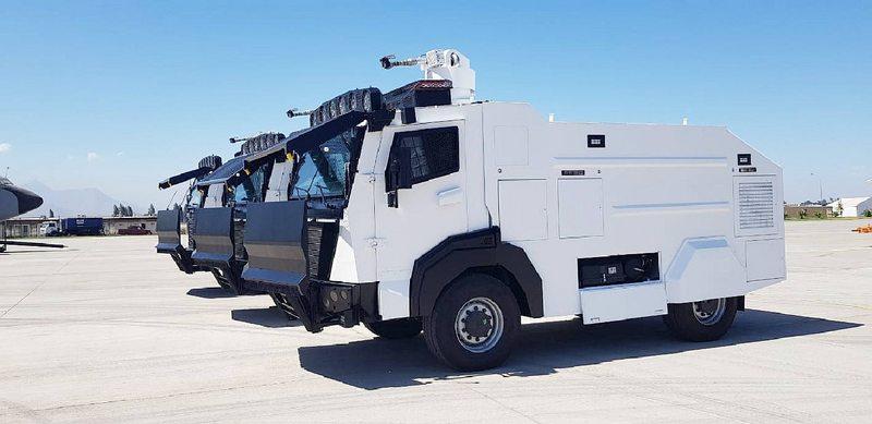 Así es el nuevo camión lanzaguas turco de Carabineros
