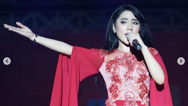 Bella Nova Berharap Libur Bareng Hotman Paris Beneran ke Bali