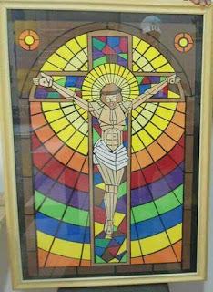 Cruz em mosaico de EVA