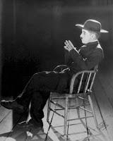 """Чарли Чаплин в """"Пилигриме"""". Фотограф: Джеймс Эббе - 6"""
