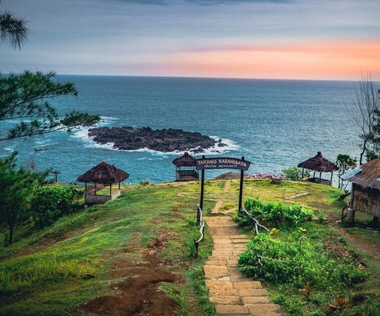 Tanjung karangbata pantai menganti kebumen