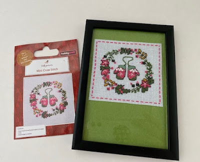 Mini Christmas cross stitch kit from Hobbycraft