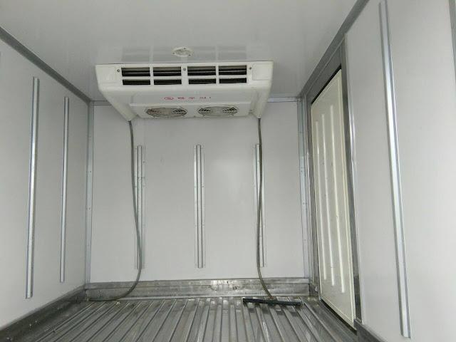 Thùng đông lạnh xe bãi 1 tấn cũ