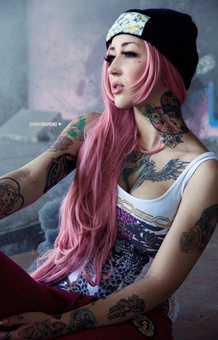 Cat Emilia Carvalho Reis Tattoos