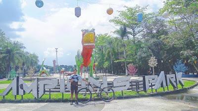 Taman Tegallega Bandung : Lampion Park