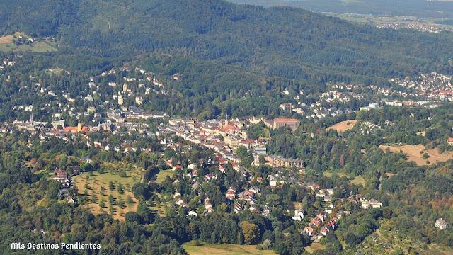 Vista de Baden Baden desde el Monte Merkur (Baden Baden, Alemania)