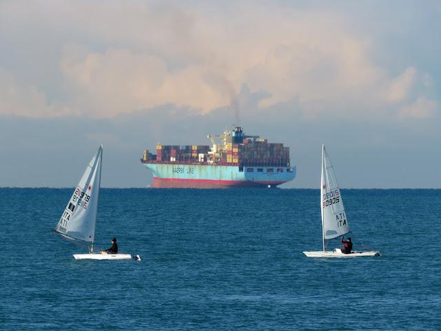 Two sails and a faraway Sealand Washington (IMO 9196852), Terrazza Mascagni, Livorno