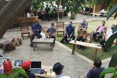 Kunjungan Menkumham Yasonna Laoly ke Alam Santosa, Eka Santosa: Persahabatan Sunda – Nias untuk Selamanya