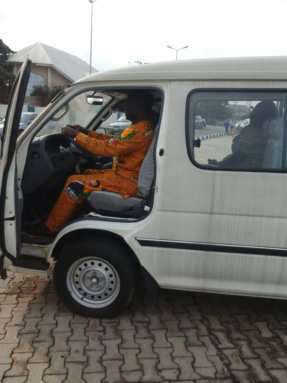 GOVERNOR WILLIE OBIANO DOONATES A BRAND NEW 18-SEATER BUS TO THE ENGINEERS IN AWKA