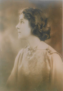 Photograph of Elizabeth Hapgood, ca. 1916