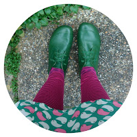 Ivy Arch green feet