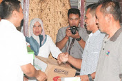 Basli Ali Provides Food Equipment Assistance in Putabangun Village