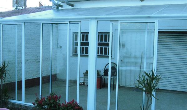 Ventanas de pvc tarragona aluminio tarragona puertas for Cerramientos patios interiores