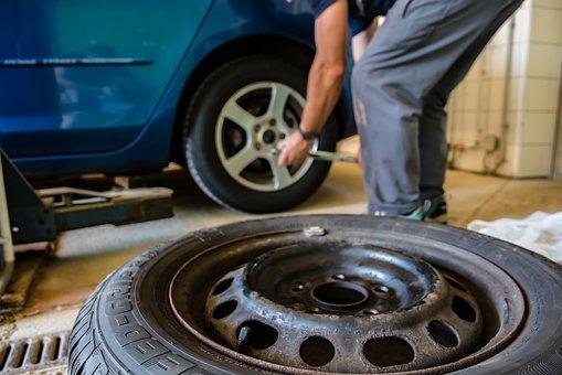 mengatasi ban tubeless mobil sering kempes