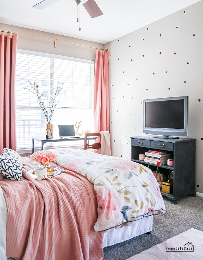 Irregular dot wall decals and bed and desk area