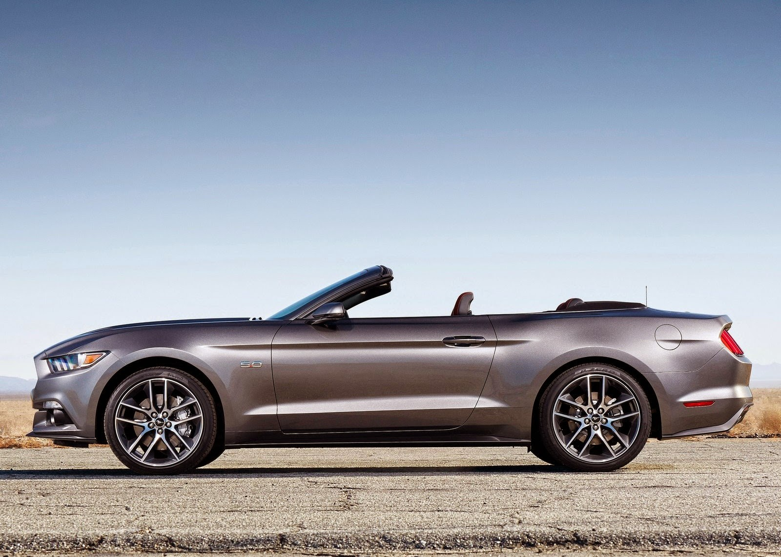 2015 Ford Mustang Convertible Hd Car Wallpaper Car