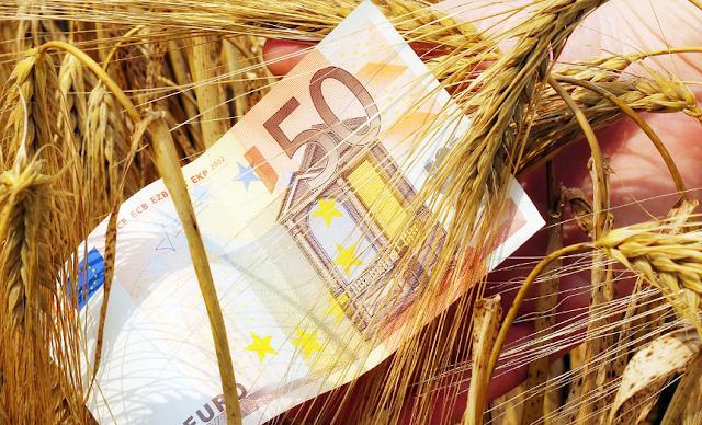 Επίτροπος Γεωργίας: Ενισχύσεις 5.000 ανά αγρότη και 50.000 ευρώ ανά αγροτική επιχείρηση