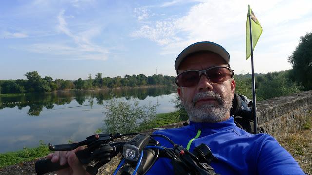 De Paris à la Rochelle en vélo couché, La Loire à Vélo