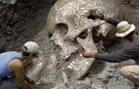 ΑΠΙΣΤΕΥΤΟ❗ Βρήκαν στο μετρό της Αθήνας γιγάντιους σκελετούς➤➕〝📹ΒΙΝΤΕΟ〞