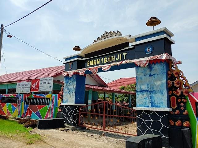 Dugaan Adanya Mark Up Siswa di SMK 1 Banjit Way Kanan