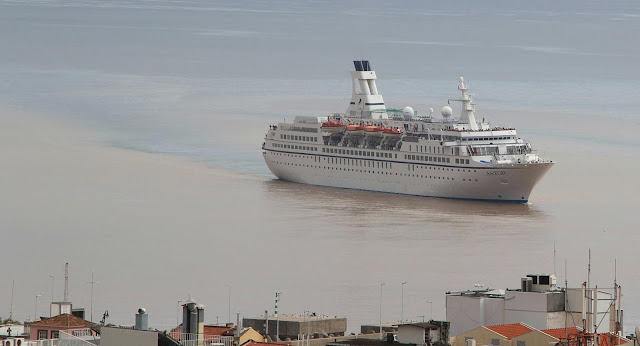 Cruise Ship Astor rips the dirty ground water