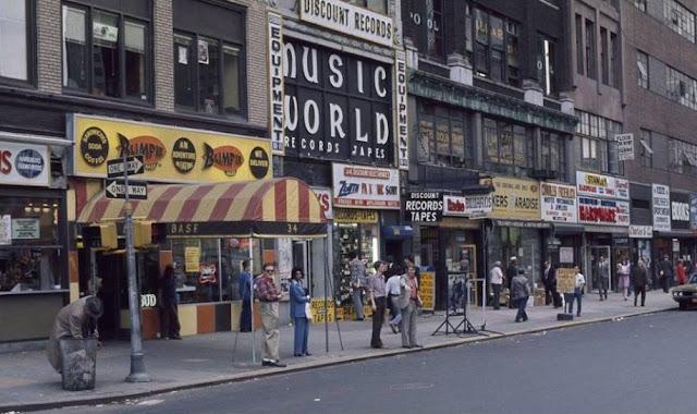 Park Row Manhattan in the 1970s randommusings.filminspector.com