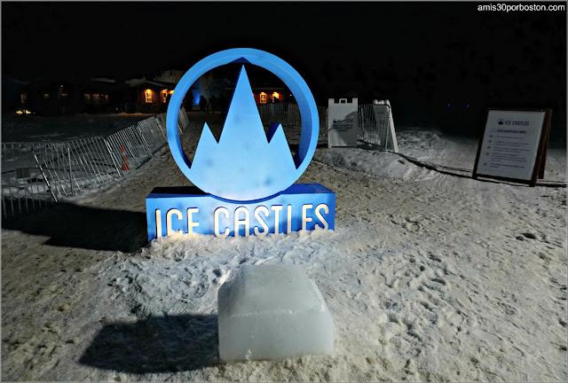 Logo de los Castillos de Hielo a la Entrada de esta Atracción en New Hampshire