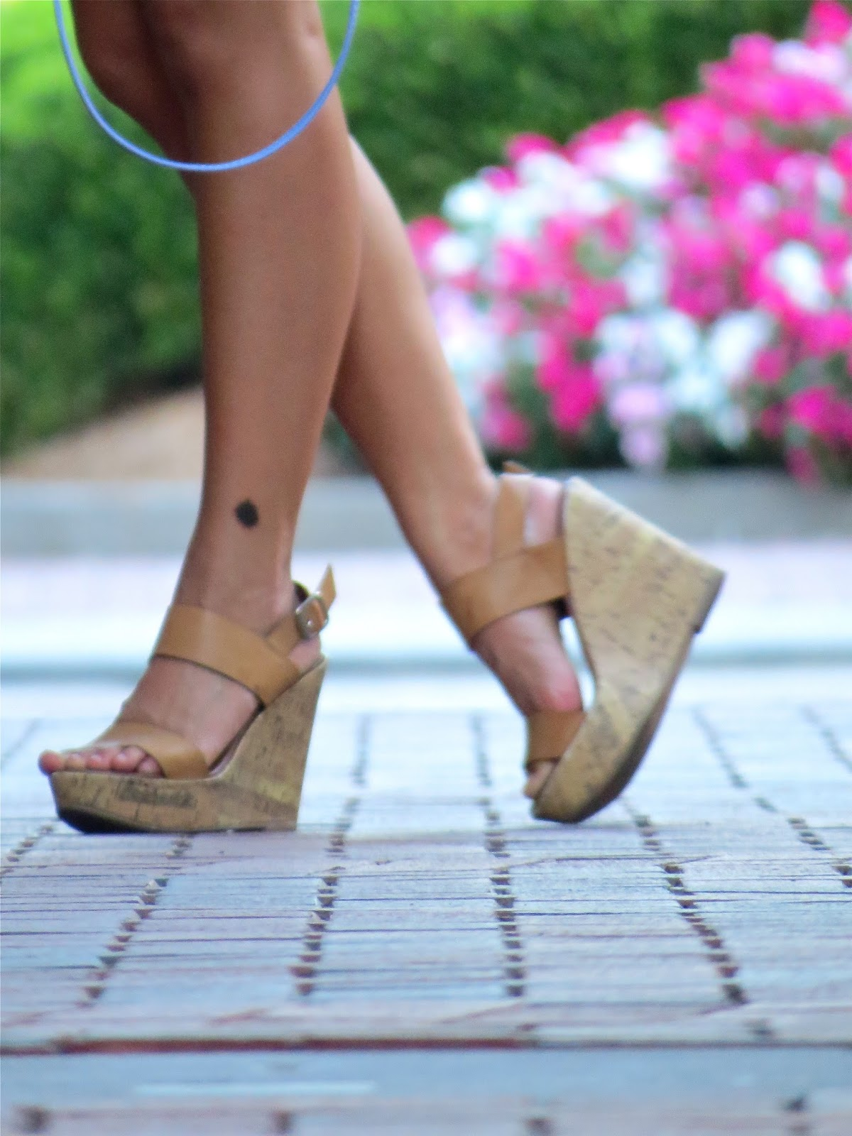 nude_wedges