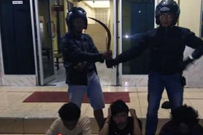 Jakarta, 3 Bandit Bersenjata Clurit, Berhasil Ditangkap Polisi