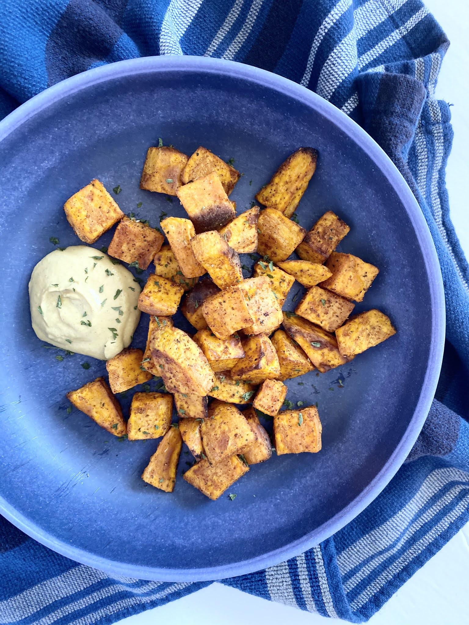 Sweet & Spicy Air Fryer Sweet Potatoes