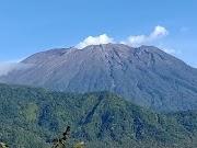 Mendaki Gunung Agung, Pemandangan Indah Dari Atas Gunung