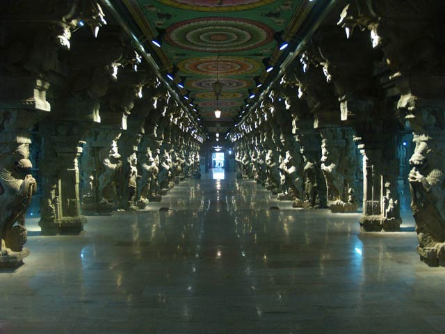 Thousand_Pillar_Hall_Sri_Meenakshi_Temple,_Madurai