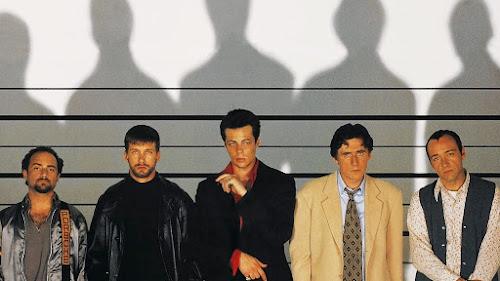Fotograma do filme de Bryan Singer, com os principais suspeitos posando pra foto